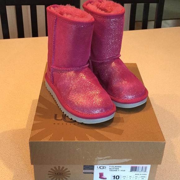 19b883c476c Girls toddler UGGs size 10 classic glitter pink